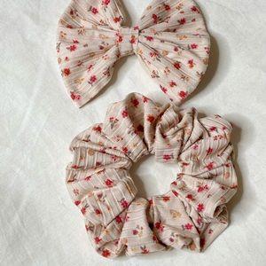 NEW ✨ Floral rib hair bow & scrunchie set